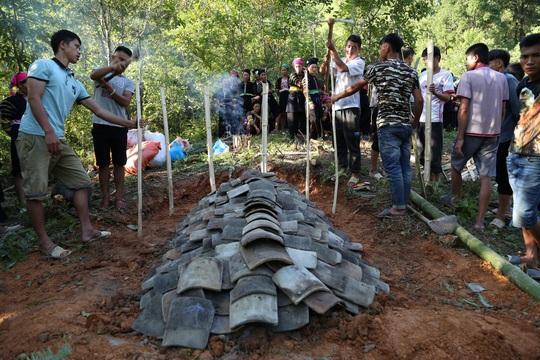 Làm báo cùng Báo Người Lao Động: Độc đáo lễ Ma Tươi của người Lô Lô Đen - Ảnh 6.