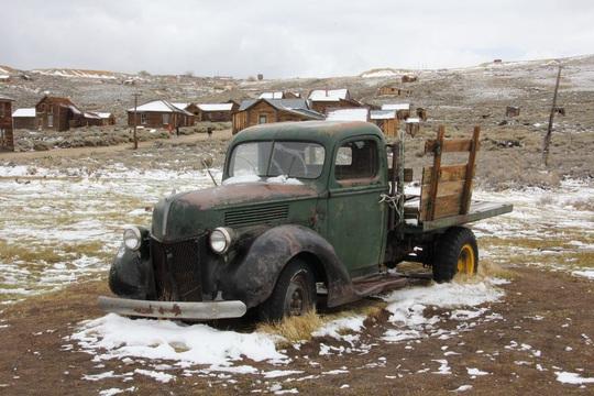 Thị trấn bỏ hoang gần 80 năm hút khách du lịch - Ảnh 9.