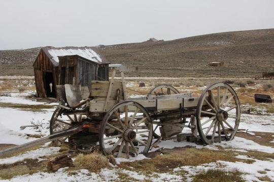 Thị trấn bỏ hoang gần 80 năm hút khách du lịch - Ảnh 10.
