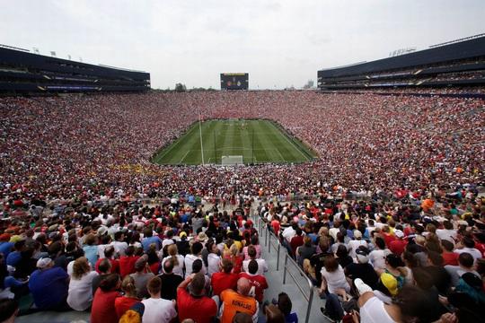 Xuất khẩu trận chung kết UEFA Champions League sang… New York - Ảnh 7.