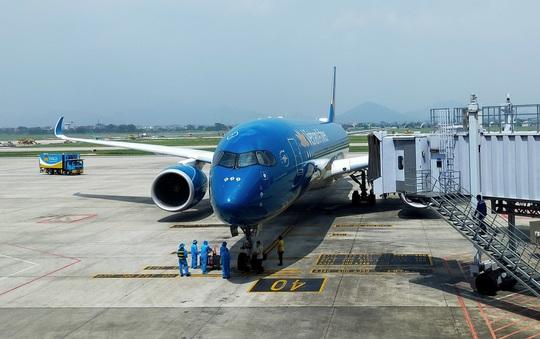 Trao đổi về quy trình và thời điểm cụ thể nối lại chuyến bay quốc tế - Ảnh 1.