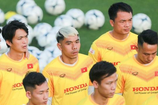 Cao Văn Triền ký hợp đồng trọn đời với Sài Gòn FC trước khi sang Nhật - Ảnh 3.