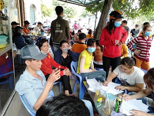 Công ty TNHH Asia Garment tạm ứng cho công nhân 1 triệu đồng/người - Ảnh 5.