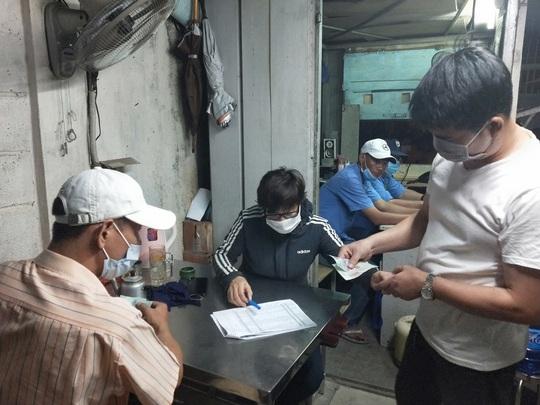 Công ty TNHH Asia Garment tạm ứng cho công nhân 1 triệu đồng/người - Ảnh 2.