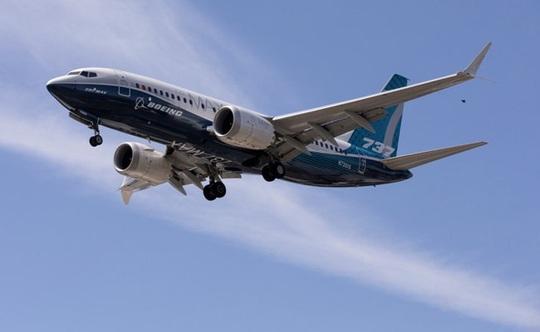Boeing 777 lại lỗi động cơ, hạ cánh khẩn cấp ở Nga - Ảnh 2.