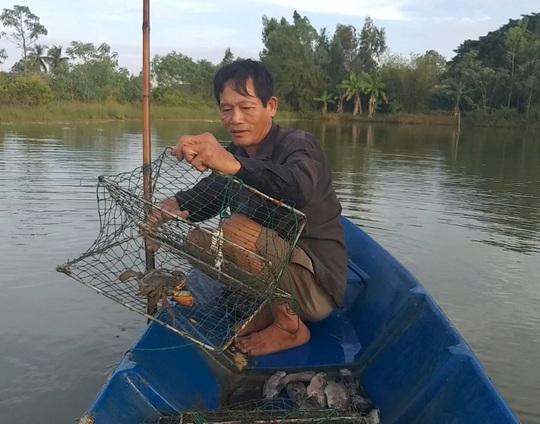 Thưởng thức 4 đặc sản ở Cà Mau lọt tốp món ăn, quà tặng ngon nhất Việt Nam - Ảnh 2.