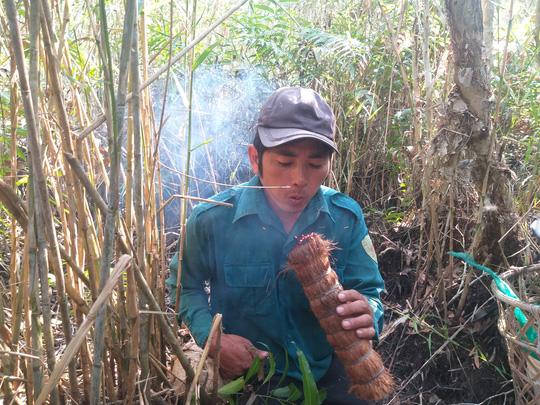 Thưởng thức 4 đặc sản ở Cà Mau lọt tốp món ăn, quà tặng ngon nhất Việt Nam - Ảnh 8.