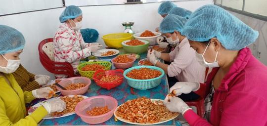 Thưởng thức 4 đặc sản ở Cà Mau lọt tốp món ăn, quà tặng ngon nhất Việt Nam - Ảnh 12.
