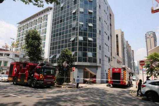 Singapore: Nam nhân viên bảo trì chết bất thường trong trục thang máy - Ảnh 1.