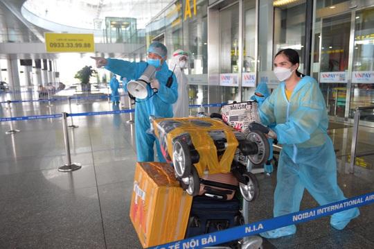 Cần những gì để mở lại bay thương mại quốc tế? - Ảnh 1.