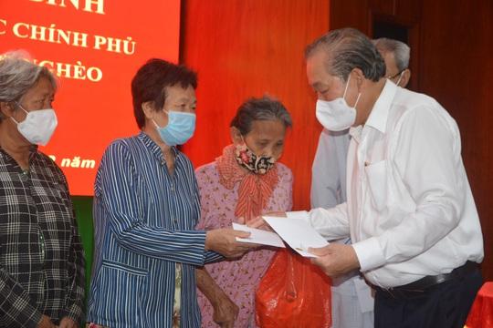 Phó Thủ tướng Thường trực Trương Hòa Bình thăm, tặng quà Tết tại Sóc Trăng - Ảnh 1.