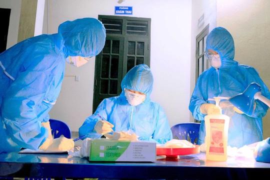Hết cách ly tập trung, nữ công nhân được phát hiện dương tính SARS-CoV-2 trong lần xét nghiệm thứ 9 - Ảnh 1.