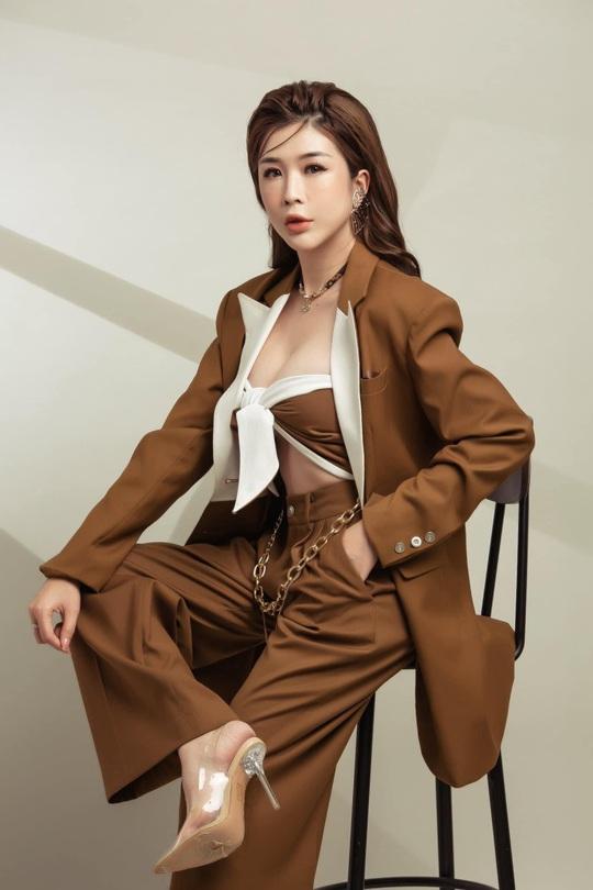 Lại Thị Tuyết Ngân: Đối với phụ nữ, yên lặng và nỗ lực cũng là một loại trang sức - Ảnh 5.