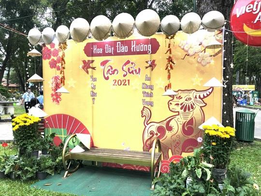 Khai mạc Hội Hoa Xuân Tân Sửu tại công viên Tao Đàn - Ảnh 2.