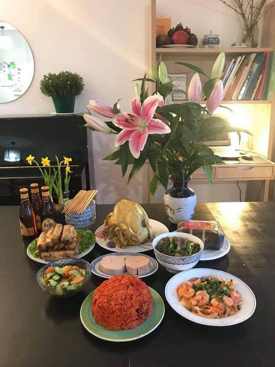 Tết Việt ở Pháp: May mà còn ẩm thực! - Ảnh 1.