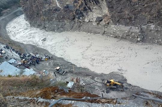 """Sông băng Himalaya vỡ """"như núi lửa phun trào"""" - Ảnh 4."""