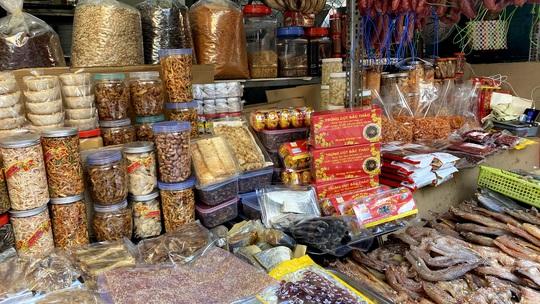 Bí quyết kéo khách của khu chợ Campuchia ở TP HCM - Ảnh 5.