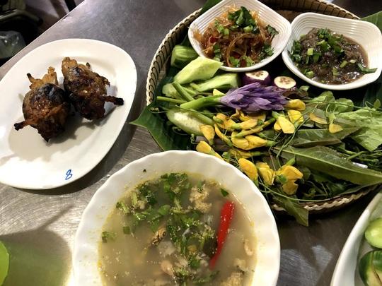 Bí quyết kéo khách của khu chợ Campuchia ở TP HCM - Ảnh 7.