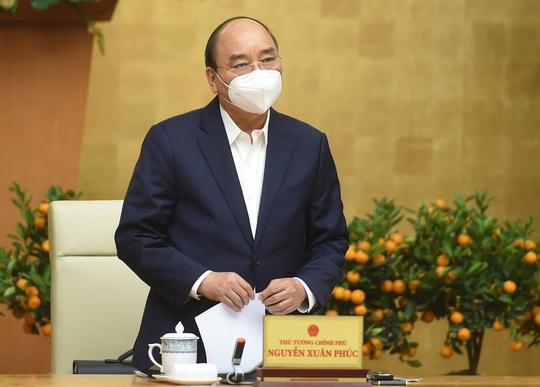 Thủ tướng đồng ý giãn cách xã hội một số khu vực ở TP HCM - Ảnh 1.