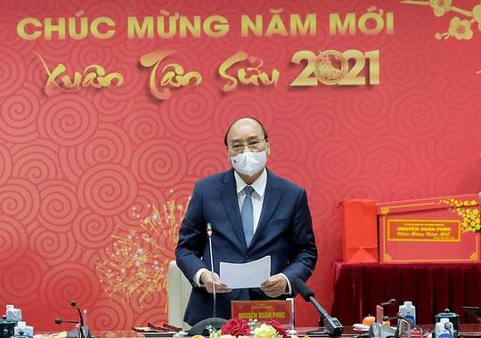 Thủ tướng Nguyễn Xuân Phúc: Trân quý tinh thần hy sinh của các chiến sĩ áo trắng - Ảnh 1.