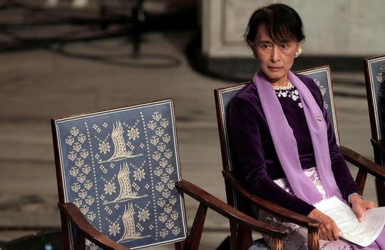 Bà Aung San Suu Kyi ra toà, lãnh thêm tội mới - Ảnh 1.