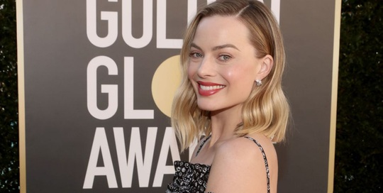 """Lễ trao giải Quả Cầu Vàng: """"Bông hồng"""" Margot Robbie và dàn sao khoe sắc trên thảm đỏ - Ảnh 2."""