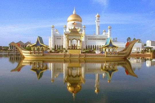 """Đột nhập cung điện hoàng gia giàu nhất thế giới xem khối tài sản """"không tưởng - Ảnh 1."""