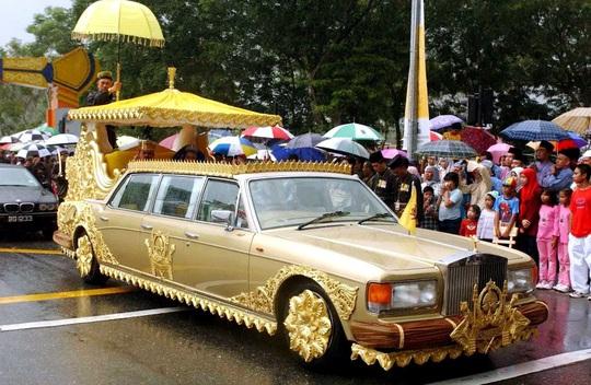 """Đột nhập cung điện hoàng gia giàu nhất thế giới xem khối tài sản """"không tưởng - Ảnh 10."""