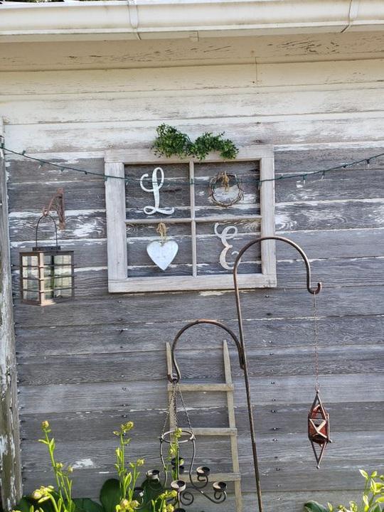 Sự tiện dụng và quyến rũ của những khung cửa sổ cũ - Ảnh 8.
