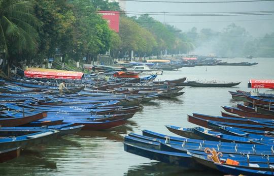 CLIP: Tiết lộ thu nhập của người dân ở chùa Hương khi mùa lễ hội đến - Ảnh 8.