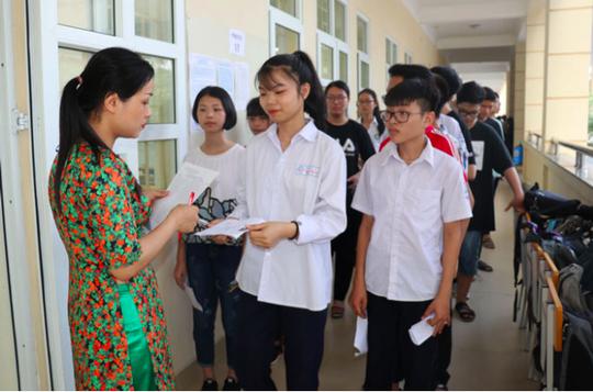 Thủ tướng yêu cầu sửa đổi vướng mắc về chứng chỉ thăng hạng giáo viên - Ảnh 1.