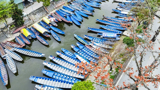 CLIP: Tiết lộ thu nhập của người dân ở chùa Hương khi mùa lễ hội đến - Ảnh 6.