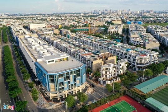 Lý do nhà đầu tư chuộng chung cư hơn nhà đất ở TP.HCM - Ảnh 2.