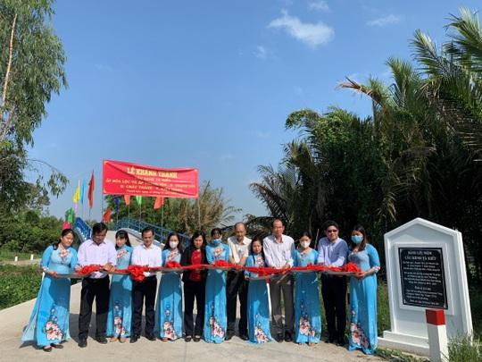 Quỹ Đinh Thiện Lý trao tặng 2 cây cầu ở Kiên Giang - Ảnh 1.