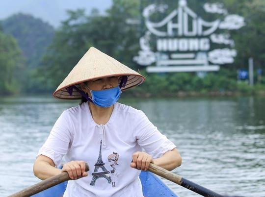 CLIP: Tiết lộ thu nhập của người dân ở chùa Hương khi mùa lễ hội đến - Ảnh 15.