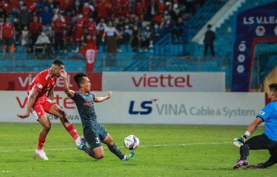 Ngọc Hải trở lại ghi bàn giúp CLB Viettel thắng đậm trước Bình Dương - Ảnh 7.