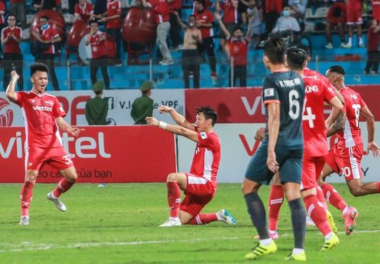 Ngọc Hải trở lại ghi bàn giúp CLB Viettel thắng đậm trước Bình Dương - Ảnh 8.