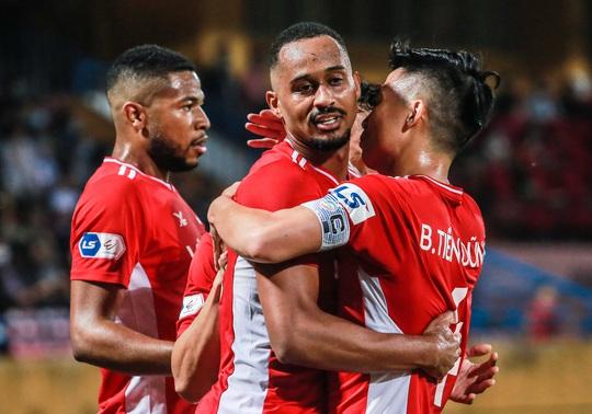 Ngọc Hải trở lại ghi bàn giúp CLB Viettel thắng đậm trước Bình Dương - Ảnh 10.