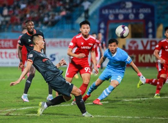 Ngọc Hải trở lại ghi bàn giúp CLB Viettel thắng đậm trước Bình Dương - Ảnh 15.