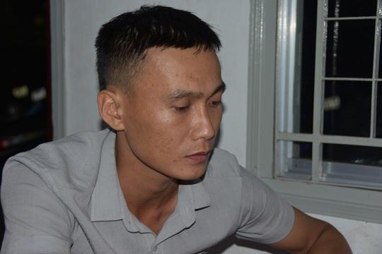 CLIP: Tóm gã trai từ Gia Lai xuống miền Tây dùng chiêu đưa phụ nữ vào bẫy - Ảnh 2.