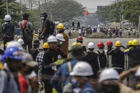 """Myanmar: Thương vong gia tăng, đại diện chính quyền dân sự """"phá vỡ im lặng"""" - Ảnh 2."""