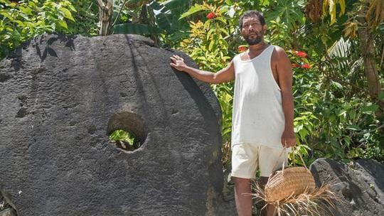 Kỳ lạ hòn đảo nơi người dân dùng tiền xu khổng lồ nặng tới 4 tấn - Ảnh 3.