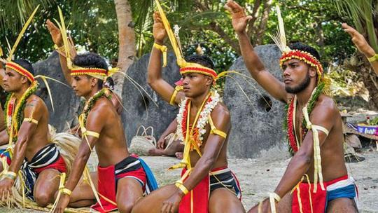 Kỳ lạ hòn đảo nơi người dân dùng tiền xu khổng lồ nặng tới 4 tấn - Ảnh 4.