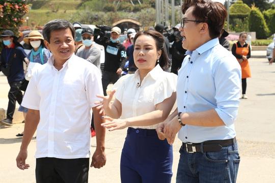 Việt Hương bộc phát tặng ông Đoàn Ngọc Hải 1,7 tỉ đồng và cái kết bất ngờ - Ảnh 1.