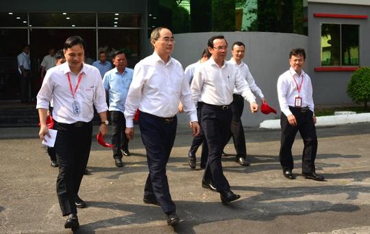 Ông Nguyễn Văn Nên và ông Nguyễn Thiện Nhân thăm Công viên phần mềm Quang Trung - Ảnh 1.