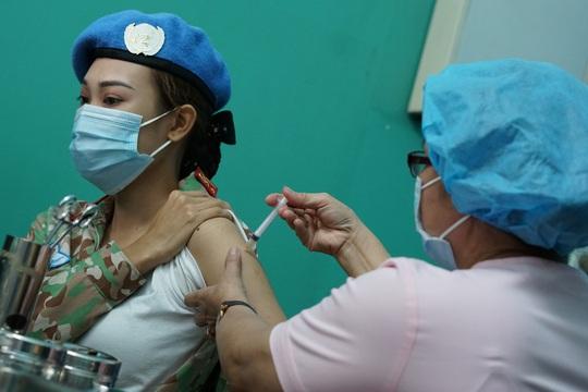 TP HCM: Hơn 2.000 liều vắc-xin Covid-19 được tiêm tại Bệnh viện Quân Y 175 - Ảnh 2.