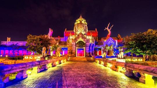 Mục sở thị những điểm đến gom cả tinh hoa thế giới trong lòng Việt Nam - Ảnh 3.