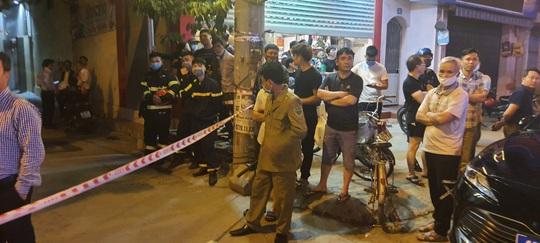 Truy bắt nam thanh niên ném mìn tự chế vào tiệm vàng, 1 người bị thương - Ảnh 3.