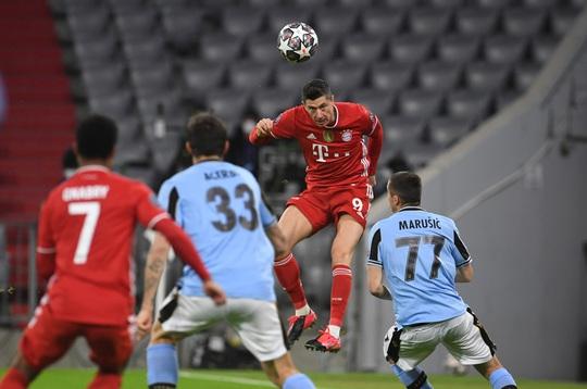 Bayern Munich: Một mình chống cả châu Âu - Ảnh 1.