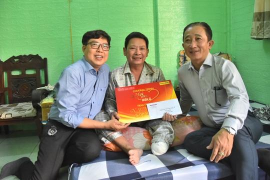 Chương trình Mai Vàng nhân ái thăm NSƯT Linh Phước và nghệ sĩ Thái Thanh Hằng - Ảnh 1.